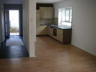 Zwei Zimmer Küche Bad