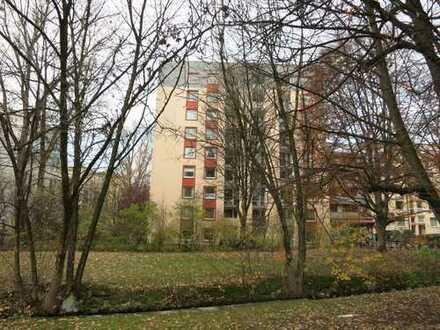 Schwabing gepflegte 2 Zi.-Whg. ca. 48 qm, weiße EBK m. Fenster, Bad m. Badewanne