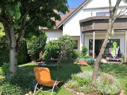 Sonnige 4- Zimmerwohnung mit großem Garten, am Stadtrand von Dresden (Schönfelder Hochland)
