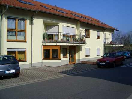 Im 8 Familien Haus, schöne 1ZKD, Kochnische, Nackenheim