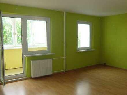 Sanierte Wohnung mit zwei Zimmern und Balkon in Leipzig