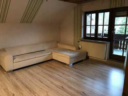 Gepflegte 3-Zimmer-Dachgeschosswohnung mit Balkon in Wiernsheim/Iptingen
