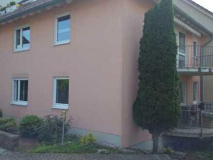 Gepflegte 3-Raum-Wohnung mit Balkon und Einbauküche in Landau-Godramstein