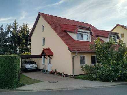 Wohnhaus mit Grundstück