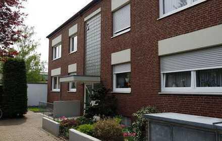 Schöne ruhige , zentrale vier Zimmer Wohnung in Erftstadt/ Lechenich