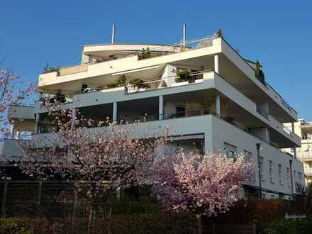 Schicke helle Wohnung mit Balkon in guter Wohnlage inkl. Tiefgaragenstellplatz