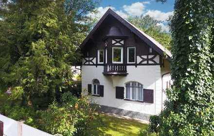 Jugenstil-Juwel! Denkmalgeschützte Villa-genehmigtes Baurecht, Bestlage in Pasinger Villenkolonie I