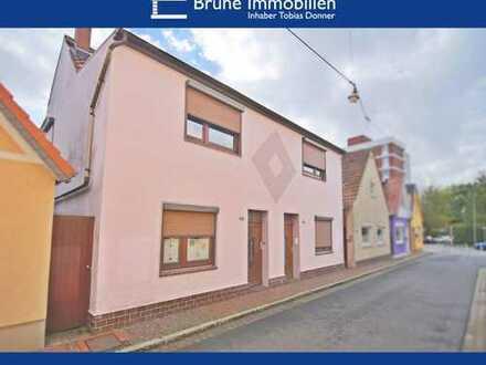 BRUNE IMMOBILIEN - Bremerhaven-Lehe: 2 Haushälften - Anlage und Eigennutz?
