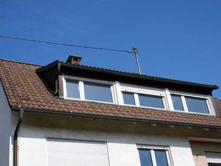 Neu renovierte 3,5 Zimmer DG Wohnung ( ohne Balkon), Gartenmitbenutzung,EBK auf Wunsch in Deufringen