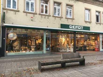 Ladenfläche in Kehl, Hauptstraße 33-35 (links)