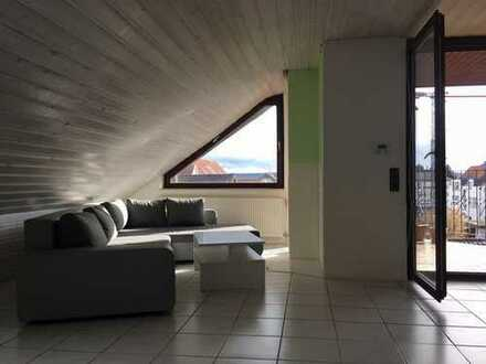 Gärtringen: Gemütliche 3 Zimmer Dachgeschosswohnung in Vierfamilienhaus - sofort bezugsfrei