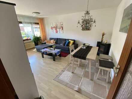 Sehr schöne u. ruhige 3-Zimmer-Wohnung mit Balkon und Einbauküche in Kernen im Remstal
