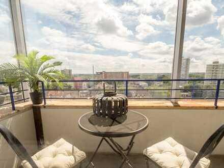 Helle drei Zimmer Wohnung mit Balkon und Wintergarten.