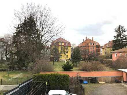 Helle 4-Zimmer-Eigentumswohnung mit Balkon - in grüner Lage! - Toll für Eigennutzer!