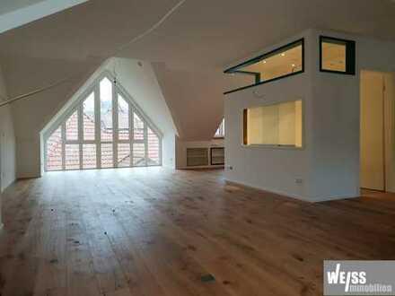 +++WOHNFÜHLEN+++ Atelierwohnung umgeben von historischen Räumen und ruhiger Lage