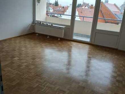 Vollständig renovierte Wohnung mit drei Zimmern und Balkon in Donaueschingen Stadtmitte