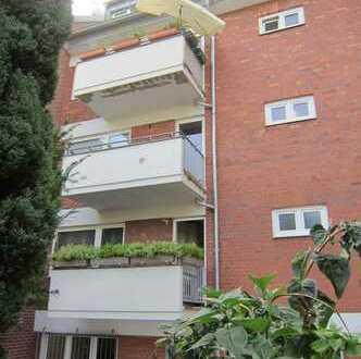 Gepflegte Wohnung, 3,5 Zimmer, Stadtwaldnähe, Garage, kleiner Balkon