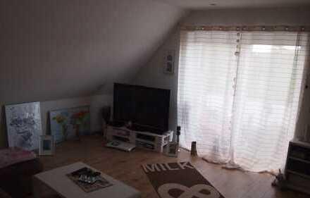 Neuwertige 3-Zimmer-Maisonette-Wohnung mit Balkon und Einbauküche in Neuengamme, Hamburg