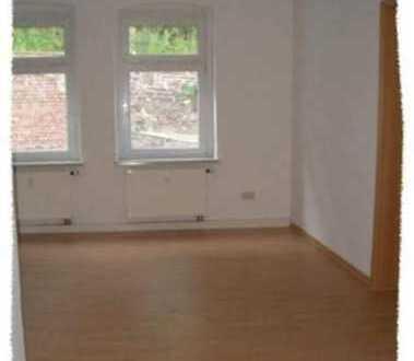 Hübsche Single-Wohnung mit LAMINAT, Duschbad mit Fenster und offener Küche