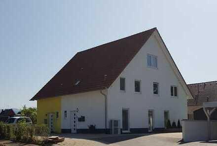 Modernes DHH in guter Wohnlage von Schallstadt-Mengen mit Einliegerwohnung
