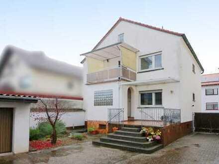 Modernisiertes 1-2-Familienhaus mit Garten