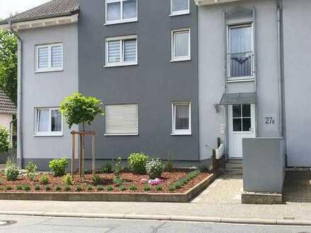 In Alzey: Gepflegte Wohnung mit zwei Zimmern und Balkon