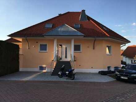 Gepflegte 3,5-Zimmer-DG-Wohnung mit Einbauküche in Landstuhl