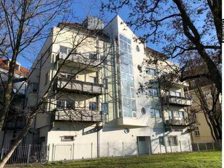 Gemütliche 1-Zimmerwohnung mit großer Wohnküche mit Blick auf Rennbahn Scheibenholz