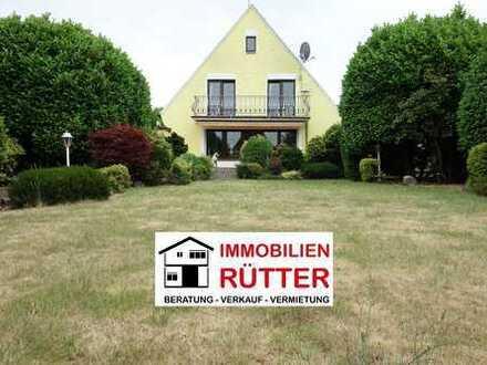 Duisburg (Hochheide), 191m² Wfl., 815m² Grdstk., 6 Zimmer, Sauna, Garten, 2 Garagen, viel Potenzial!