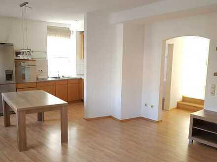 Gemütliche 4-Zimmer-Wohnung mit Balkon und EBK in Wiesloch Zentrum