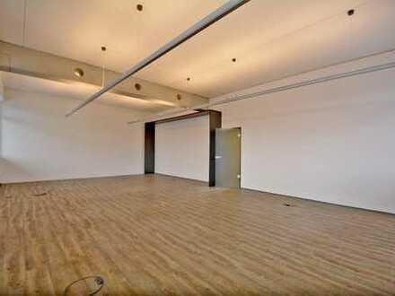 Büro,- Praxis,- oder Ausstellungsfläche direkt an A8