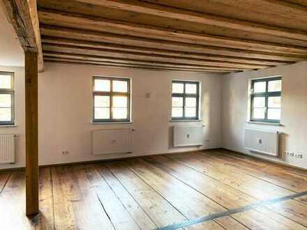 Ihr Tanzsaal: 2-Zimmerwohnung an der Cadolzburg - 2018 kernsaniert