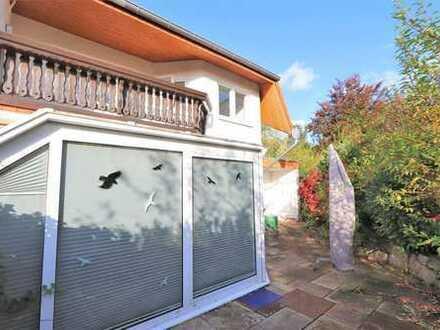 Moderne Doppelhaushälfte auf sehr schönem Grundstück in MR-Michelbach!