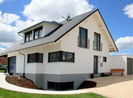 Massives Architektenhaus mit ELW, Keller und Grundstück in Unterankenreute