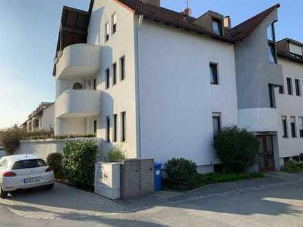 Schöne, helle 3-Zimmer-Terrassenwohnung in guter Lage mit hochwertiger EBK in Nürnberg