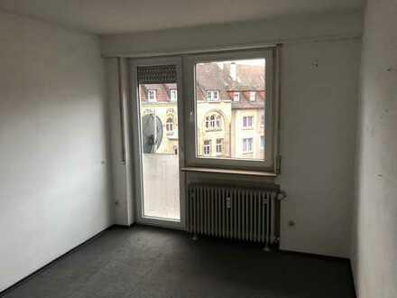 Gemütliches helles Zimmer in 8 Köpfiger-WG