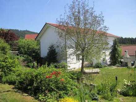 Sehr großzügiges, modernes und attraktives EFH (220 m²) mit großem Garten (ca. 900 m²), Bernried DEG