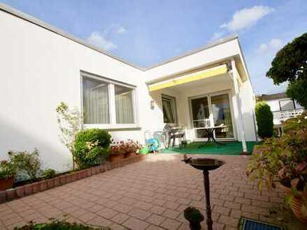 1-A Lage! 1-A Zustand! 1-A Aufteilung! großräumiger Bungalow mit ca. 230 m² Wohn- und Nutzfläche