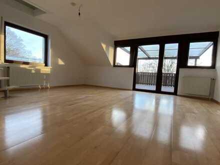 Vollständig renovierte 2,5-Zimmer-Wohnung mit Balkon und EBK in Wolfsburg/Warmenau