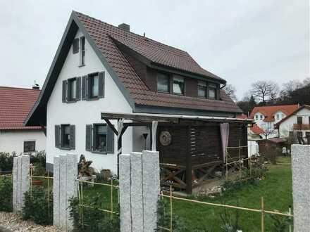 Liebevoll renoviertes EFH mit herrlichem Grundstück