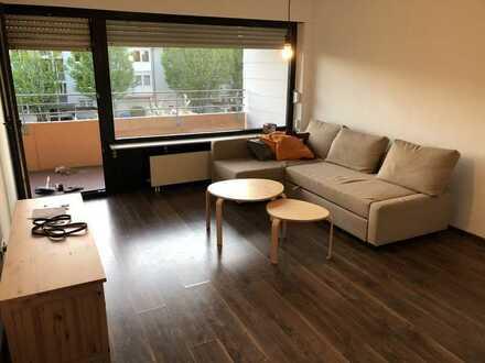 Teilmöbliert e ,gepflegte 2,5-Zimmer-Wohnung mit Balkon und Einbauküche in Heidelberg