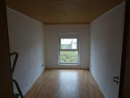 Schöne fünf Zimmer Wohnung in Ludwigshafen am Rhein, Mundenheim