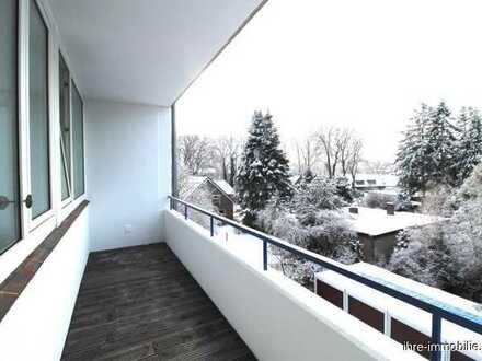 Old - Kreyenbrück: Renoviertes altersgerechtes 1-Zimmer Ap. mit Fahrstuhl, Loggia u. Keller, im 3.OG