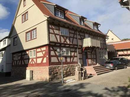 Neuwertige Wohnung mit vier Zimmern und Balkon in Bad König