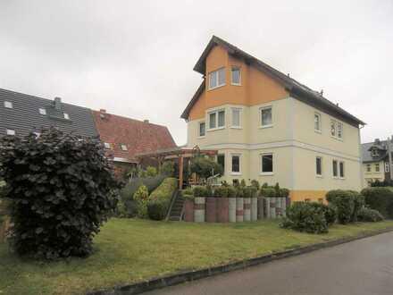 Eigentumswohnung mit Garage im Dreifamilienhaus zur Eigennutzung oder Anlage