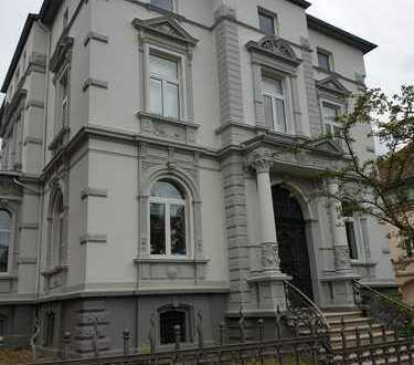 schöne 70m2-Wohnung Altbau in Superlage