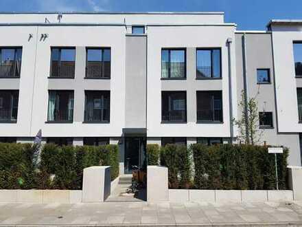 Erstklassig wohnen in einer 3- Zi. Maisonette- Whg. im 2. OG mit Dachterrasse in optimaler Citylage