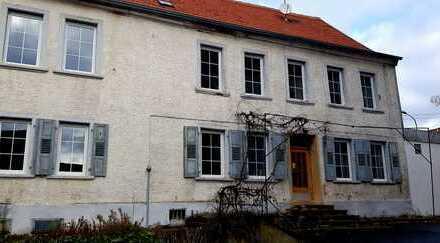 FÜR HANDWERKER! Schönes, riesiges Haus mit acht Zimmern in Bad Kreuznach (Kreis), Becherbach
