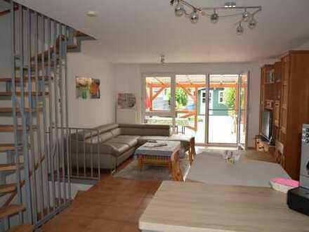 Gepflegtes Reihenmittelhaus in ruhiger Wohnlage mit Terrasse und Stellplatz