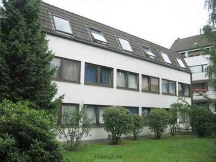 Ein-Zimmer-Appartement mit Kochnische in der Neustadt